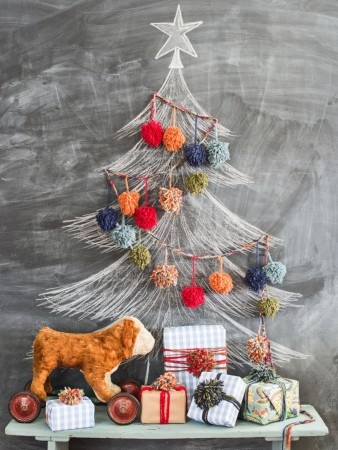 Cute alternative Christmas tree décor