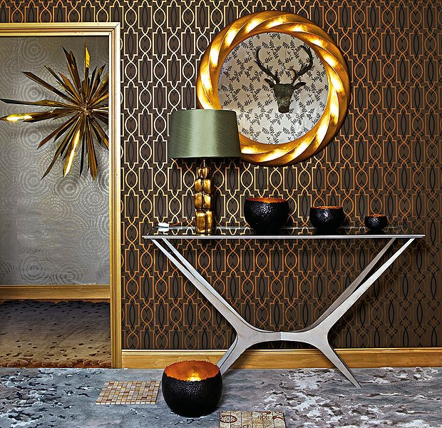 Chic and sophisticated metallic wallpaper
