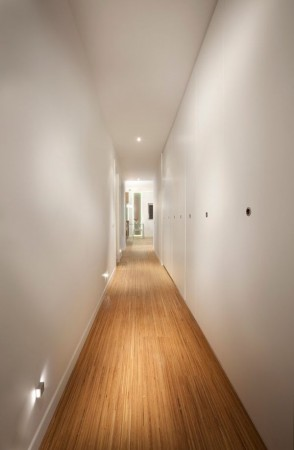 tips and tricks to enlarge a tight hallway by painting it with white colors