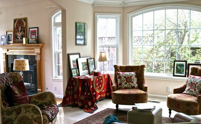 Warm colors for a winter living room