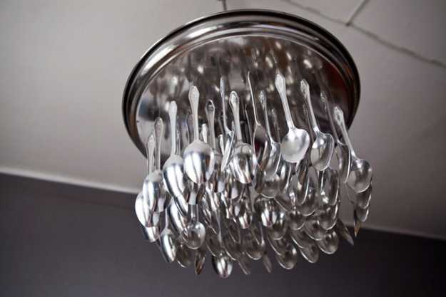 Perfect Repurposed Light Fixture From Spoons