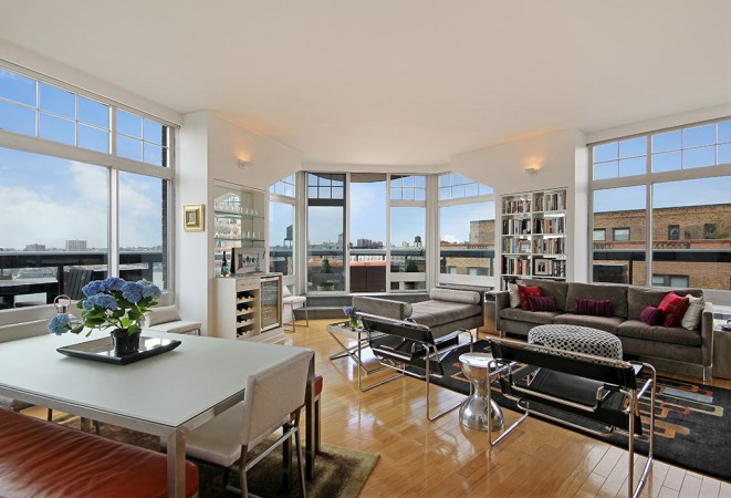 City views await in this stylish apartment