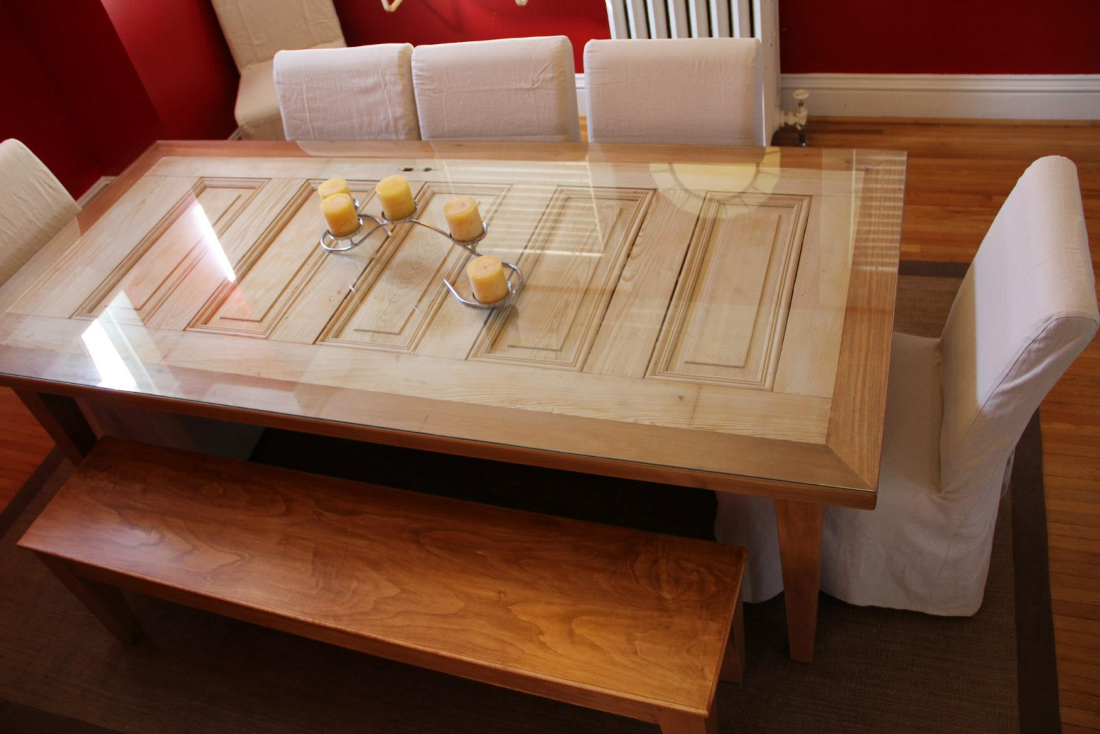 11 great ideas for repurposed doors for Repurposed dining table