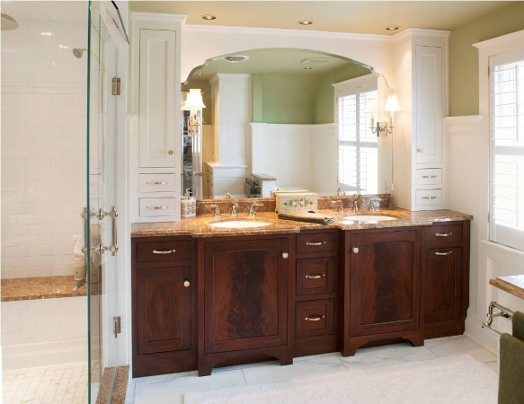 Beautiful traditional bathroom vanity