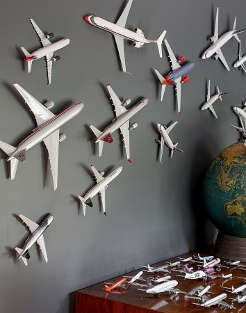 Wall décor using old model airplanes