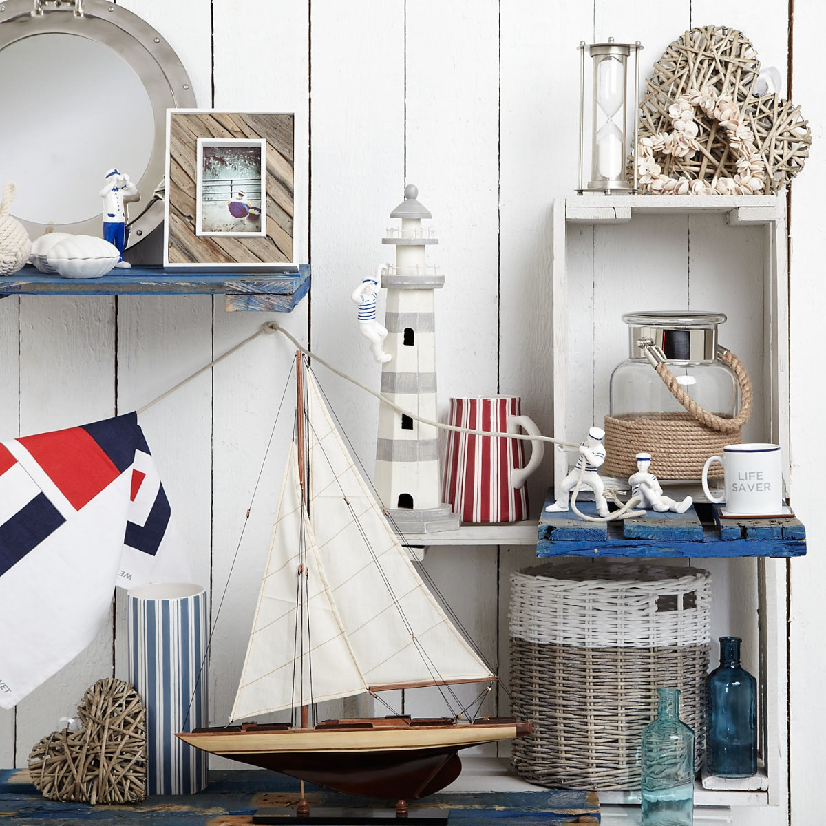 Nautical themed knick knacks (lewismoten).