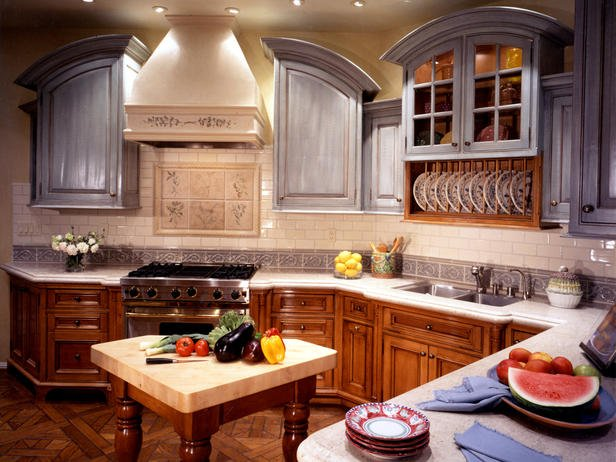 Trend Alert - Mixed Cabinet Finishes in the Kitchen