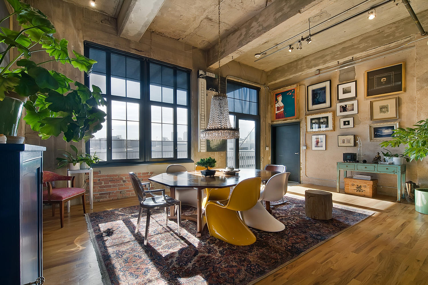 5 Reasons to Love the Industrial Loft