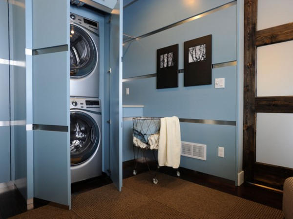 Washer and dryer housed in cabinets for a streamlined look