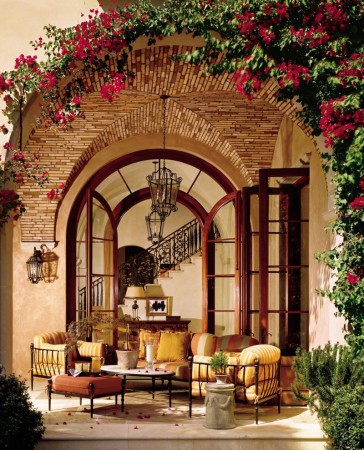 Tuscan outdoor dining