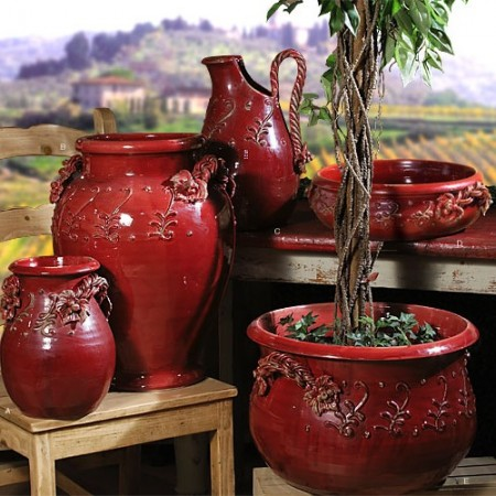 Outdoor pottery for Tuscan style patio