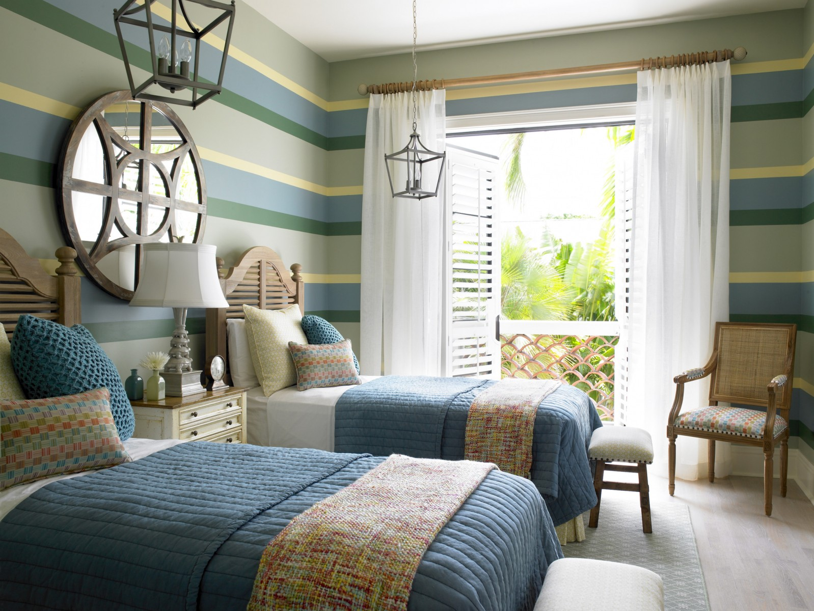 The serenity of the coastal bedroom for Bedroom decor styles