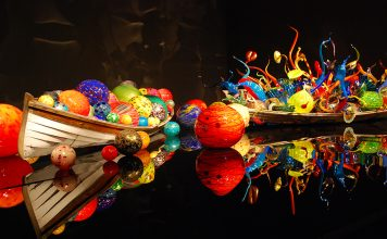 Dale Chihuly glass art