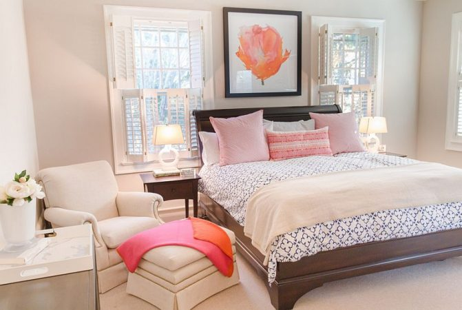 Soft colors in the bedroom have a summery vibe