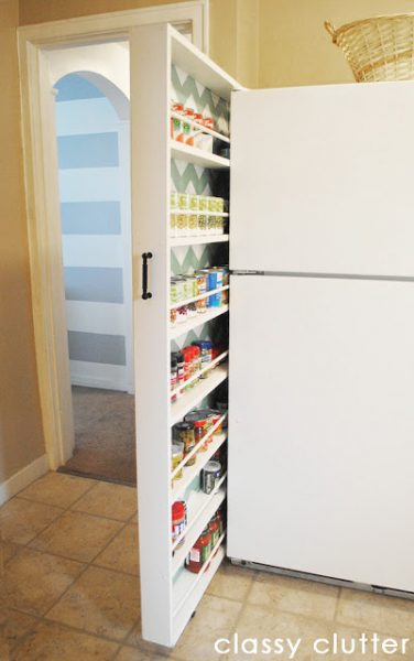 Pull Out Pantry Space Saving Idea (http://www.classyclutter.net)