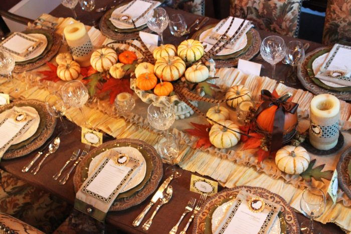 Of course, you can combine these ideas to create an amazing tablescape http://www.thinkter.com