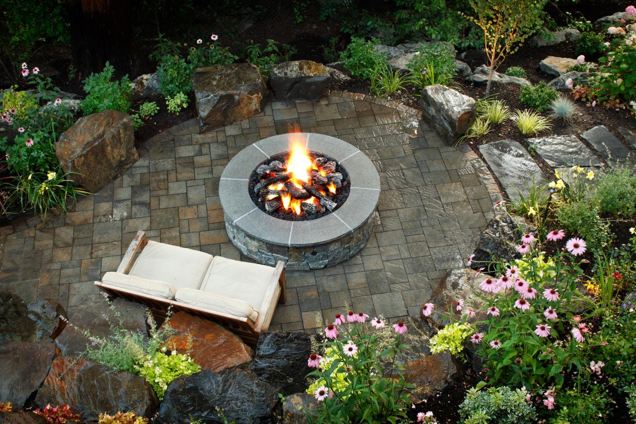 backyard-fireplace-and-pergolas-2