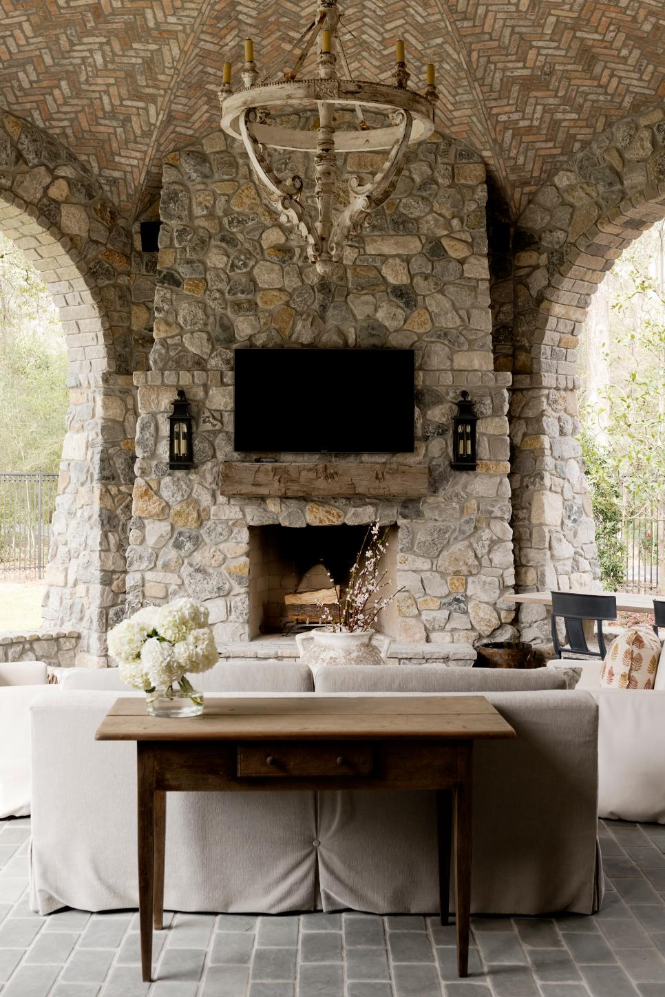 backyard-fireplace-and-pergolas-6