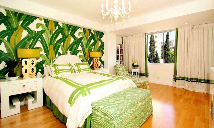 Indeed, tropical print wallpaper is bold