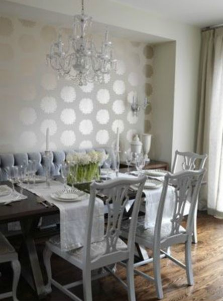 On the other hand, a smart decorator bedazzled this dining room with a more understated geometric print