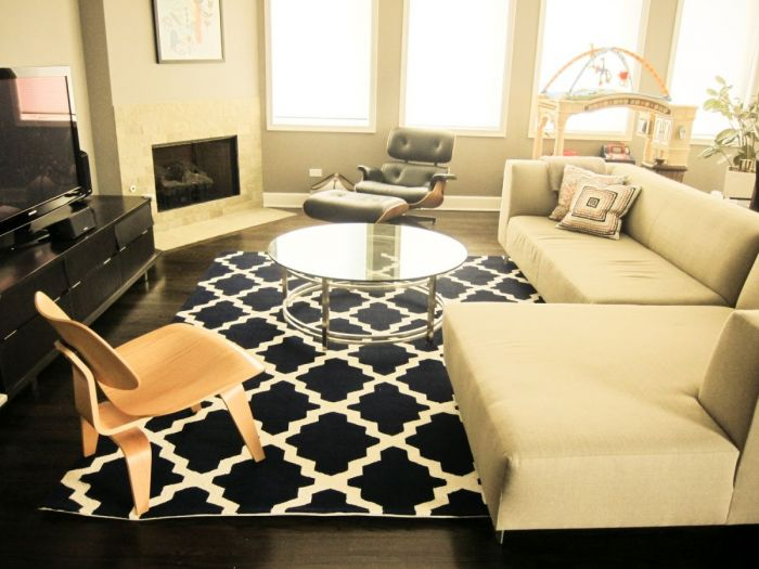 On the other hand, this rug adds contrast.