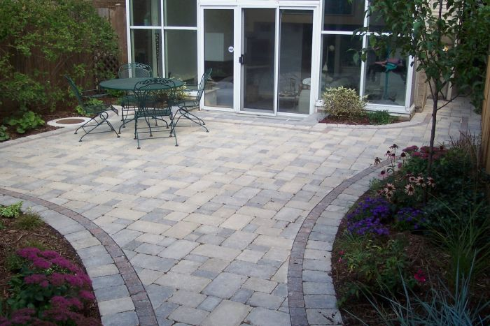 Stone pavers make an excellent and versatile material for patios (brickphonepicture.blogspot.com)