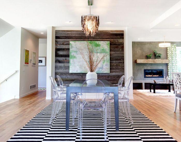 A wood panel in this dining area niche gives this room a boost (decoist.com)