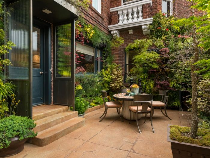 City patio (HGTV)