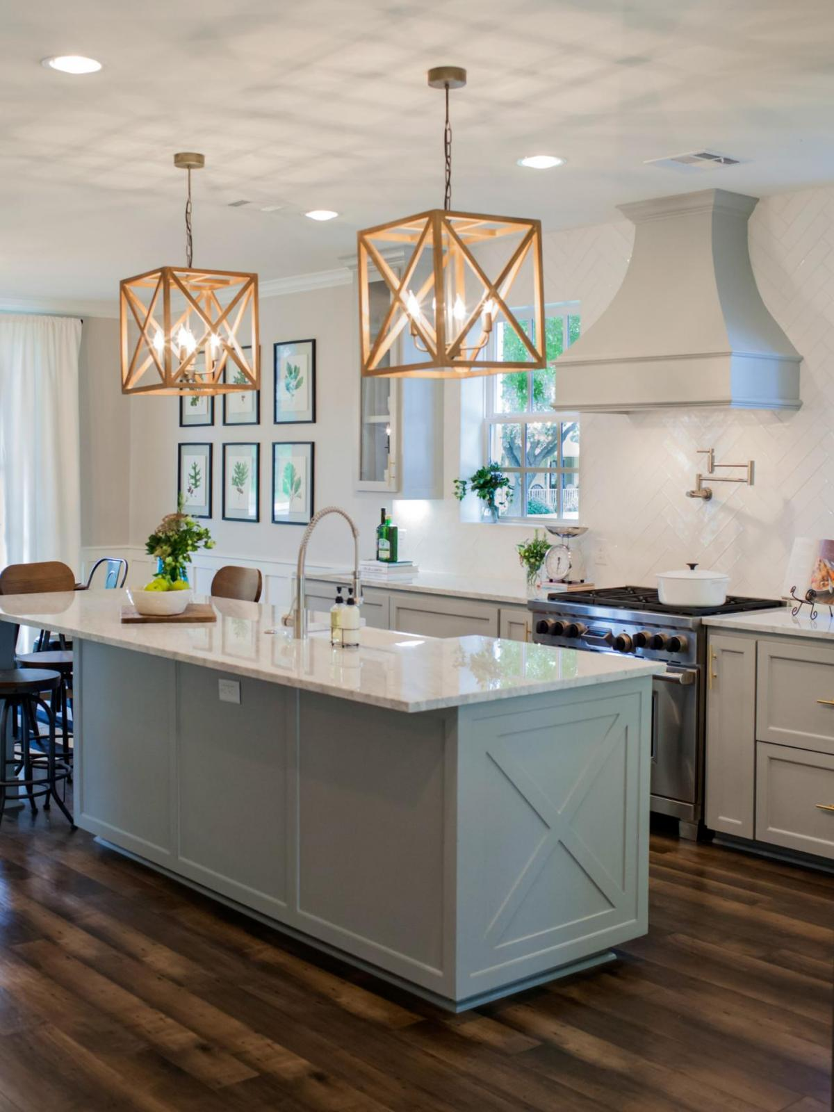 kitchen lighting island selecting kitchen island lighting that fits your needs and style 4615