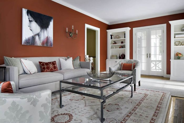 A balance of color and neutrals (homestratosphere.com)