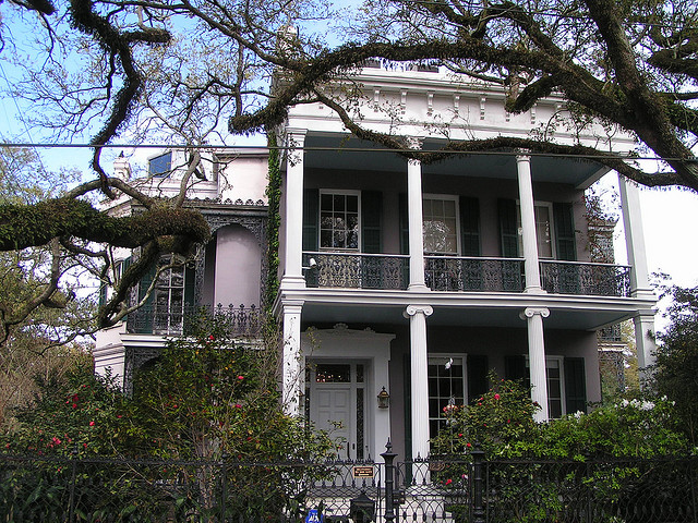 The former home of author Anne Rice in the Garden District of New Orleans (interviewwiththevampire.wordpress.com)