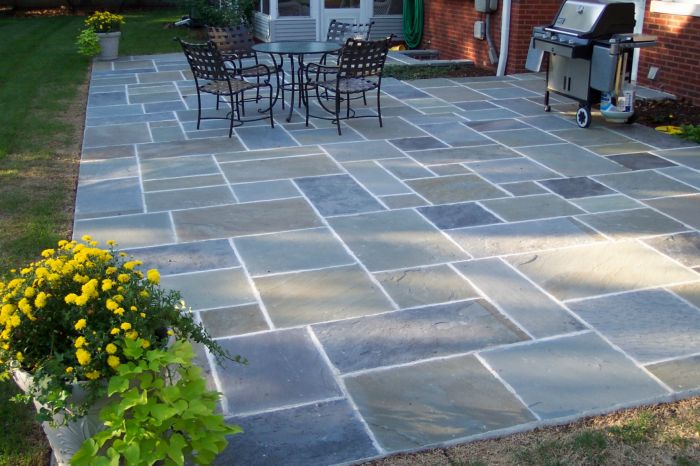Stones that look like slate are a beautiful addition to your outdoor space (jeriko.us)