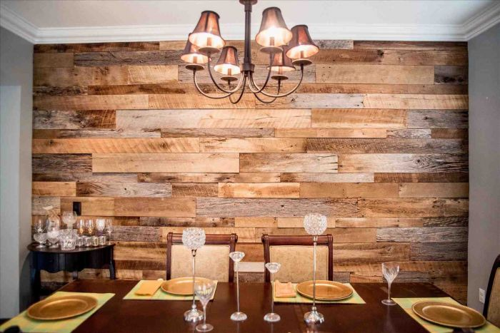 Re-claimed wood accents this dining room wall (siudy.net)