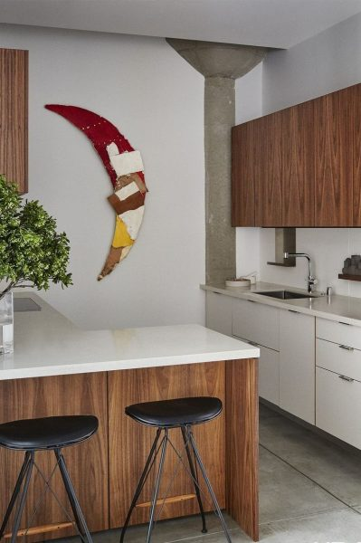 An artist would definitely want his kitchen to speak for his profession and well, this picture and this kitchen style is a pretty good idea for such a person.
